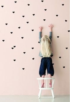 parede com corações quarto de bebe - Pesquisa Google