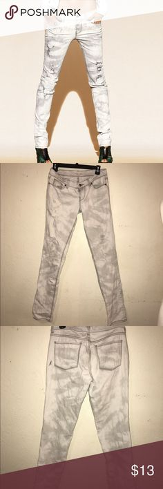 Victoria's Secret London jeans white gray Victoria's Secret London jeans white gray. Condition great. There's a hole on the back can put a white patch under it as that is what is done with the stylized holes on the pants. Open to best offers. I'm moving check out my closet Victoria's Secret Jeans Skinny