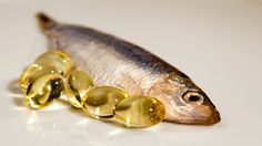 -Fish Oil Can Make Your Child Smarter. -Fish oil pills can significantly improve a childs ability to read in just three months. – Packed full of omega 3 fatty acids Fish Oil Side Effects, Vitamin D Rich Food, Fish Oil Benefits, Health Benefits, Fish Oil Capsules, Krill Oil, Omega 3 Fish Oil, Toxic Foods, Types Of Arthritis