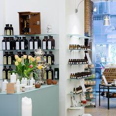 Kräuter und Naturkosmetik in der St. Charles Apotheke Wien | creme wien