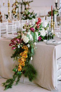 Stunning table garland | Photo by Lad and Lass