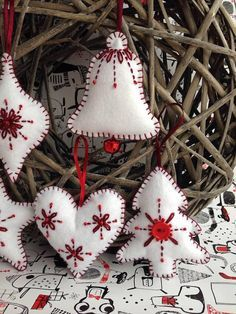 ******This listing is for a set of 5 items, but multiple purchases can also be made, please get in touch for any questions.***** Set of 5 lovely handmade felt Christmas decorations featuring in white and red colors, ready to be hung on your Christmas tree or as a decoration anywhere
