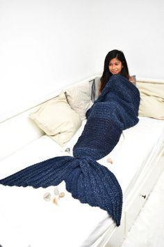 Mermaid blanket // crochet patterns // mermaid crochet blanket