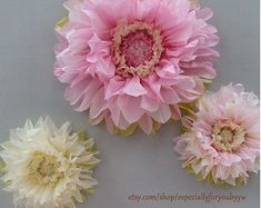 Tissue Paper flowers for Flower Wall by especiallyforyoubyyw