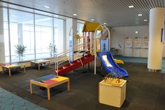 The Portland Airport's kid-friendly play areas, nursing rooms, family bathrooms and more.