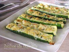 Zucchine alla mozzarella, gratinate al forno, sono facili e veloci da preparare, ottime sia servite appena sfornate ma anche tiepide, a temperatura ambiente