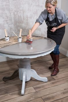 How to achieve the Driftwood look the easy way • Fusion™ Mineral Paint Diy Furniture Renovation, Furniture Projects, Furniture Makeover, Painted Farmhouse Table, Painted Kitchen Tables, Furniture Painting Techniques, Chalk Paint Furniture, Coffee Table Redo, Annie Sloan Furniture