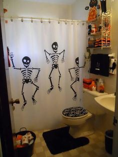 skeleton shower curtain and Halloween themed decorated bathroom Halloween Bathroom Decorations, Halloween Home Decor, Halloween House, Holidays Halloween, Spooky Halloween, Halloween Themes, Halloween Crafts, Happy Halloween, Halloween Party