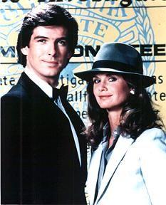Pierce Brosnan and Stephanie Zimbalist, 1982 80 Tv Shows, Old Shows, Great Tv Shows, Stephanie Zimbalist, Sean Leonard, Tv Retro, Mejores Series Tv, Cinema Tv, Childhood Tv Shows