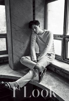 Go Kyung Pyo - 1st Look Magazine Vol.70