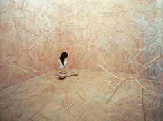 Artista coreana convierte su estudio en mundos surreales | Buendiario