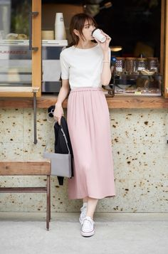 60 trendy outfits you should wear this spring 2019 44 60 tr. - - 60 trendy outfits you should wear this spring 2019 44 60 trendy outfits you should wear this spring 2019 44 Long Skirt Fashion, Long Skirt Outfits, Modest Fashion, Fashion Dresses, Fashion Clothes, Apostolic Fashion, Modest Clothing, Long Skirt Style, Skirt Ootd
