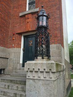 Zij ingang voormalige gemeente bibliotheek Aan de nieuwe markt in Rotterdam