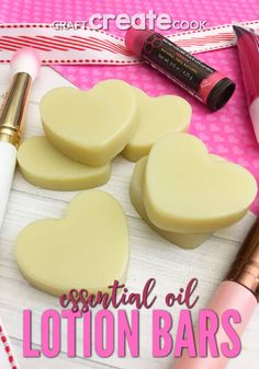 DIY Essential Oil Lotion Bars are great to keep your skin feeling hydrating in the winter and they smell amazing! Homemade Scrub, Homemade Gifts, Cooking With Essential Oils, Diy Beauty Treatments, Lotion Bars, Natural Cosmetics, Homemade Beauty, Herbalism, Lotions