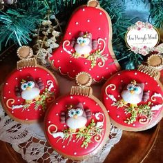 cookie set by Teri Pringle Wood Cute Christmas Cookies, Holiday Cupcakes, Christmas Cake Decorations, Christmas Owls, Christmas Sweets, Birthday Cookies, Holiday Cookies, Owl Cookies, Paint Cookies