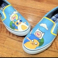 Adventure Time with Fin and Jake/ Fionna and Cake. - omg i want theeeeeseeee!!!!!