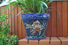 Jardinera de pescado koi mosaico vidrieras en por midcenturymosaics