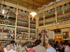 16 Interesting Facts About The World's Oldest And Coolest Bars