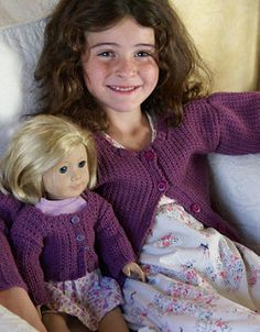 """Sweater for AG doll, and matching one sized for a little girl. Secretly, mommies enjoy American Girl dolls, too. """"Free pattern**"""" Ravelry has lots of free patterns for clothes and accessories for American Girl and other 18 inch dolls! Knitting Dolls Clothes, Ag Doll Clothes, Crochet Doll Clothes, Knitted Dolls, Doll Clothes Patterns, Doll Patterns, Knitting Patterns, Sweater Patterns, Cardigan Pattern"""