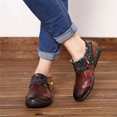 Genuine Leather Retro Flower Flats – The Shoe Outlet Shop Queen Fashion, Loafers Online, Retro Flowers, Casual Loafers, Vintage Ladies, Vintage Style, Loafer Flats, Fashion Shoes, Leather
