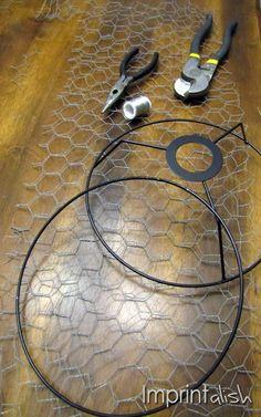 Imprintalish: DIY Chicken Wire Pendant Light - All About Decoration Wire Pendant Light, Pendant Lighting, Lampe Crochet, Chicken Wire Crafts, Diy Luminaire, Basket Lighting, Lampe Decoration, Creation Deco, Farmhouse Lighting