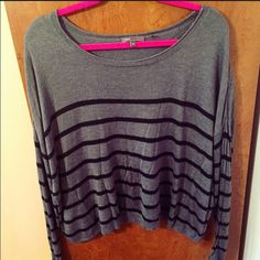 SALE Vince Cashmere Sweater Size Small. Barely worn Vince Sweaters Crew & Scoop Necks