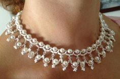 Gargantilla nupcial de perlas y plata