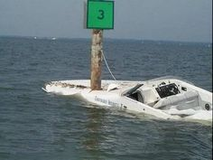 Boat Crashes into a Pole - boatcovers.iboats.com