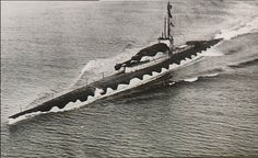 During the last months of the first world war, the Royal Navy built the M-Class submarines. These submarines were diesel-electric and had a feature that Royal Navy Submarine, Yellow Submarine, Battle Fleet, Hms Hood, M Class, Cruise Missile, History Online, Naval History, Mockup