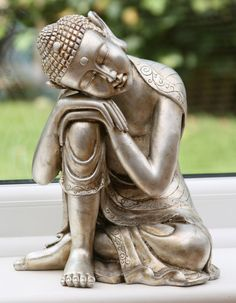 There is something very calming about this beautiful, serene garden statue of Buddha resting. Art Buddha, Buddha Zen, Buddha Painting, Buddha Buddhism, Buddhist Art, Sutra, Little Buddha, Yoga Meditation, Cross Stitch