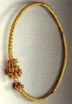 Torques d'oro, dal deposito di Fenouillet, III sec. a.C. CELTIC