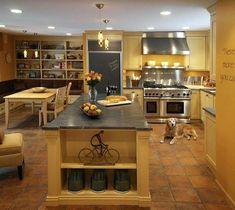 mediterranean kitchen wall tiles classic style kitchen with warm yellows and terracotta floor tiles mediterranean style kitchen wall tiles Rustic Kitchen Design, Design Your Kitchen, Kitchen Decor, Kitchen Designs, Kitchen Ideas, Nice Kitchen, Country Kitchen, Room Kitchen, Mediterranean Style Kitchens