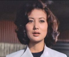 Asaoka Ruriko (浅丘ルリ子) 1940-, Japanese Actress Japanese Film, Japanese Beauty, Asian Beauty, 40s Hairstyles, Love Movie, Old Photos, Movie Stars, Actors & Actresses, The Past