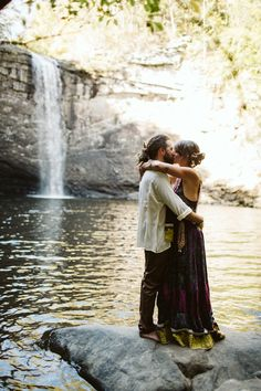 An authentic, beautifully boho and artistic outdoor waterfall wedding with vibrant gypsy charm, DIY decor and vintage styling. Gypsy Wedding, Our Wedding, Dream Wedding, Wedding Stuff, Wedding Ideas, Afghan Wedding Dress, Outdoor Waterfalls, Russian Landscape, Waterfall Wedding