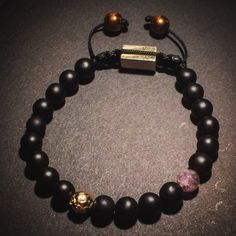 Great simple bracelet with Onyx, Gold and Amethyst  www.bhayra-jewelry.com