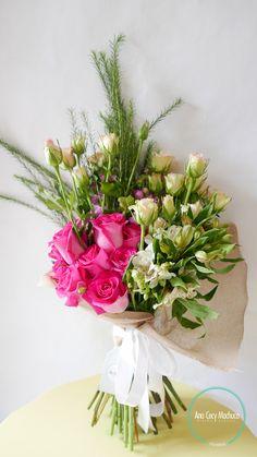 Rosas, alstroemeria, baby rose, follaje, alelhí