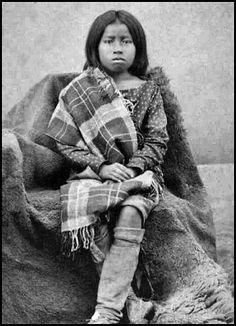 Rosa a Ton-ka-wa girl. Photo: Henry S. - Part of Lawrence T. Native American Children, Native American Beauty, Native American Tribes, Native American History, Tribal People, Native Indian, First Nations, Texas Photography, Album