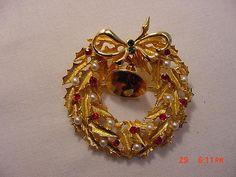 Vintage Rhinestone & Faux Pearl Christmas Wreath With Jingle