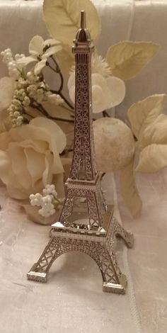 Eiffel Tower Favors, Eiffel Tower Decoration, Wedding Favor, Antique Wedding Decoration, Engagement Party Favor, Eiffel Favors Beautiful Eiffel Tower Favors, Cake Topper or Table Decoration Great for