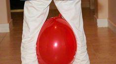 Wettrennen mti Luftballons Kids Corner, Children, Birthday, Dolphins, Balloon Games, Kids Birthday Games, Kid Birthdays, Game Ideas, Kid Games