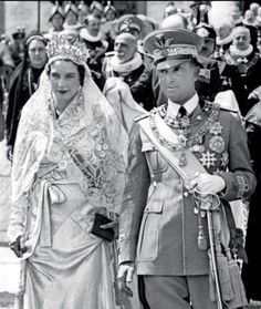 """King Umberto II & Queen Consort Maria Jose, the last king and queen of Italy. She is known as the """"May Queen"""" as they reigned 9 May 1946 – 12 June when the monarchy was abolished. Royal Tiaras, Royal Jewels, Tiaras And Crowns, Crown Jewels, Maria Jose, Casa Real, Royal Brides, Royal Weddings, Royal Life"""
