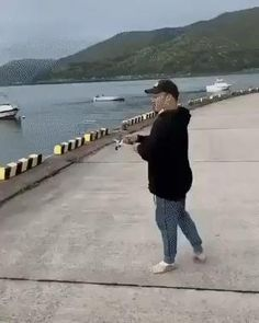 Fishing is fun they said,funny GIFs Love You Meme, Me Too Meme, Love Memes, Funny Love, Wtf Funny, Hilarious Memes, Funny Gifs, Best Funny Pictures, Funny Images