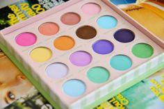 I colori pastello sono i migliori durante la stagione estiva. Rendono lo sguardo vivace e colorato. L'ideale per chi ama osare!