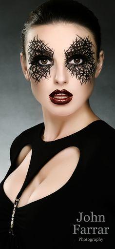 Black graphic eye makeup