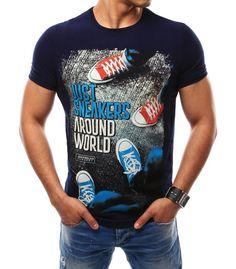 Tmavomodré pánske tričko s potlačou. Vyrobené z mäkkého, na dotyk príjemného materiálu. Pohodlný strih. Najnovší hit pre túto sezónu. Vhodné na každodenné nosenie.