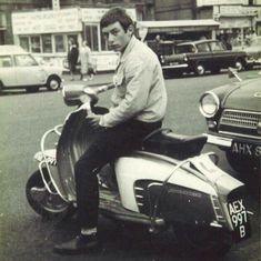 Retro Scooter, Lambretta Scooter, Mod Girl, Teddy Boys, Motor Scooters, 60s Mod, The Best Films, Northern Soul, Music Images