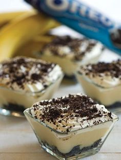 With banana ♥Matina Greek Sweets, Greek Desserts, Small Desserts, Mini Desserts, Summer Desserts, Greek Recipes, Shot Recipes, Sweets Recipes, Cake Recipes