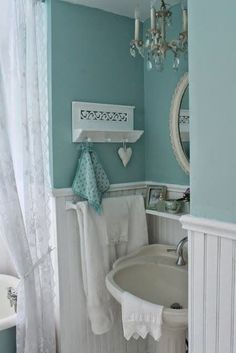Don't you love that shabby chic look? We found some interesting shabby chic bathrooms that will take your attention and that will hopefully inspire you. Shabby Chic Bedrooms, Shabby Chic Homes, Shabby Chic Furniture, Shabby Chic Colors, Shabby Chic Beach, House Of Turquoise, Light Turquoise, Turquoise Walls, Light Blue