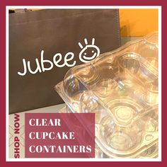 Grab these Clear Cupcake Containers with a premium fitted Jubee carrying bag. This container's compartments give you all of the room that you need to securely store, transport, and sell a dozen of your most delicious confectionery creations! Shop Now and save your cupcakes. #cupcakecontainer #cupcake #cupcakebirthday #fondantcupcake #icingcupcakes #cakeshop #bakeshop #birthday #cupcakeholder #cupcakecarriers Cupcake Icing, Cupcake Boxes, Box Cake, 12 Cupcakes, Fondant Cupcakes, Birthday Cupcakes, Cupcake Container, Environmentally Friendly Packaging, Packaging Solutions