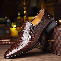 Men's Oxfords Formal Shoes Dress Shoes British Style Plaid Shoes Casual Classic British Daily Party & Evening PU Non-slipping Height-increasing Red White Black Fall Winter 2021 - US $49.34 Formal Shoes, Casual Shoes, Men Casual, Versace Loafers, Mariage Formel, Leather Men, Leather Shoes, Crocodile, Loafers Men